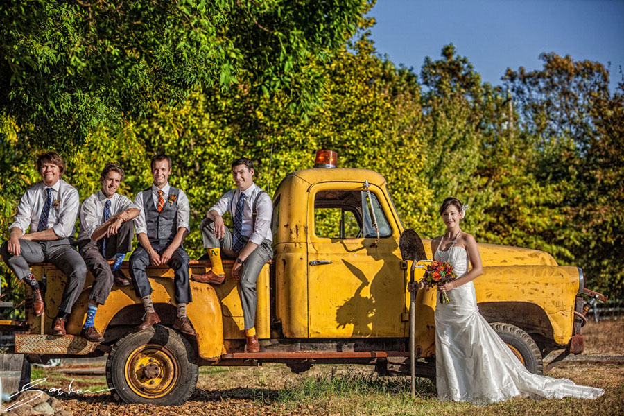 Sasha_Photography_bride-groomsmen-yellow-truck