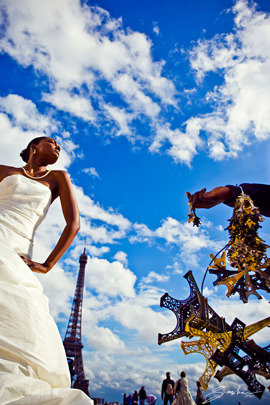 Sasha_Photography_bride-Eiffel-Tower-Paris