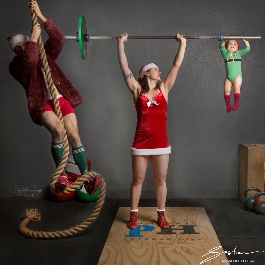 crossfit holiday family photo